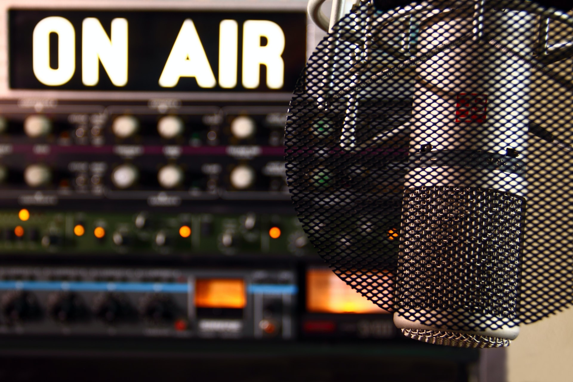 microphone & outboard audio gear
