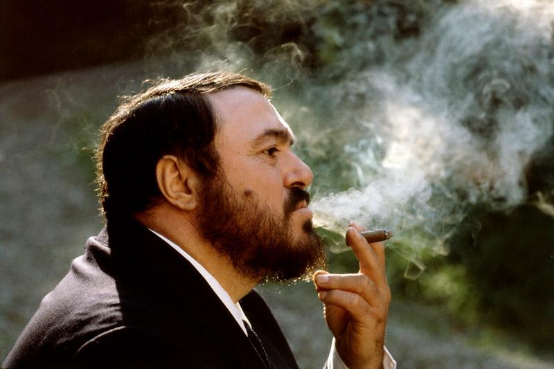 Luciano Pavarotti smoking